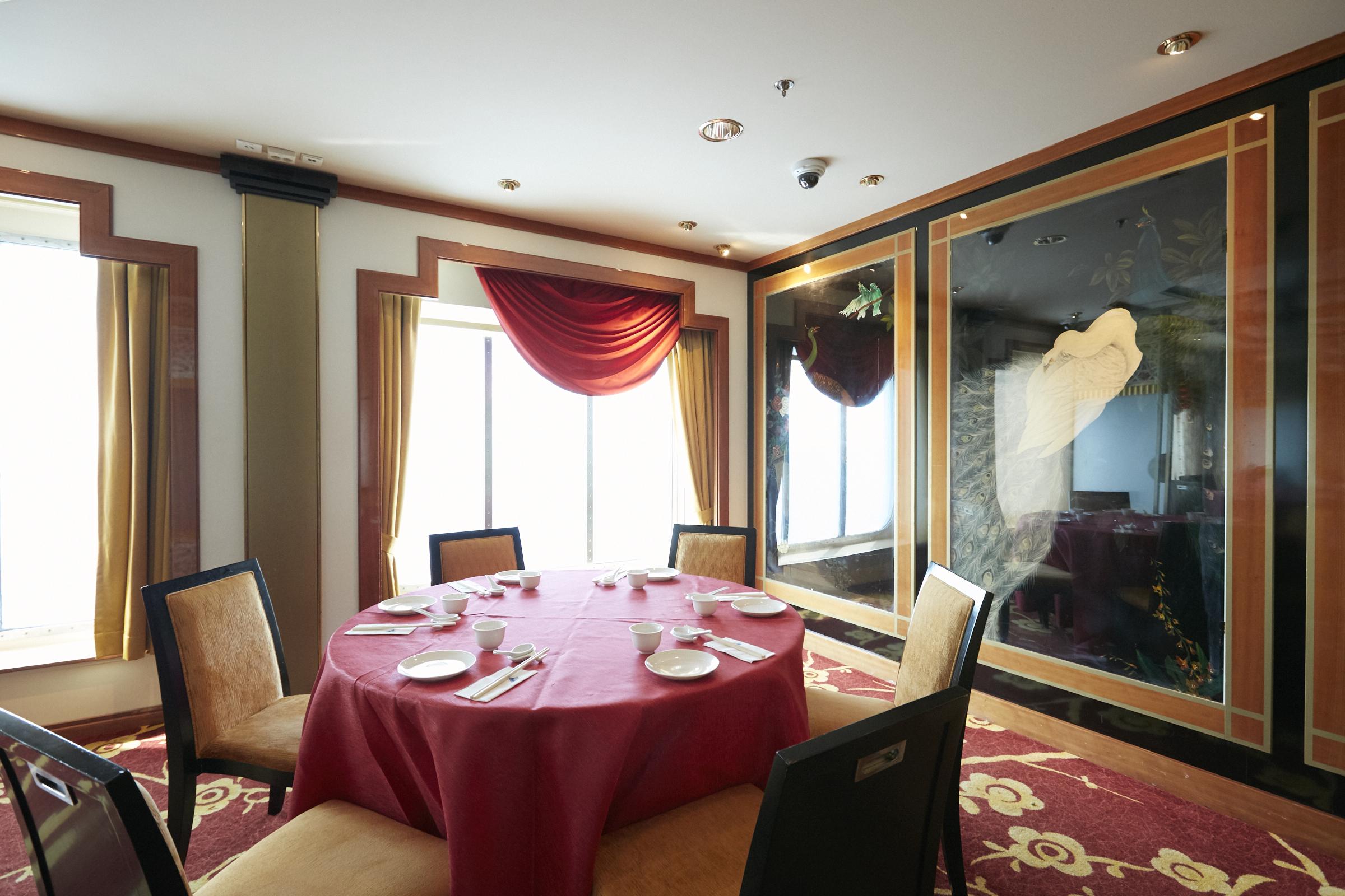 セミブッフェスタイルの無料中華料理レストラン「パビリオン」